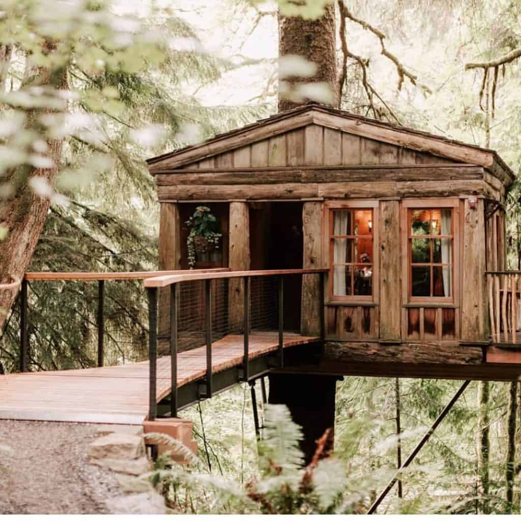 tiny house treehouse
