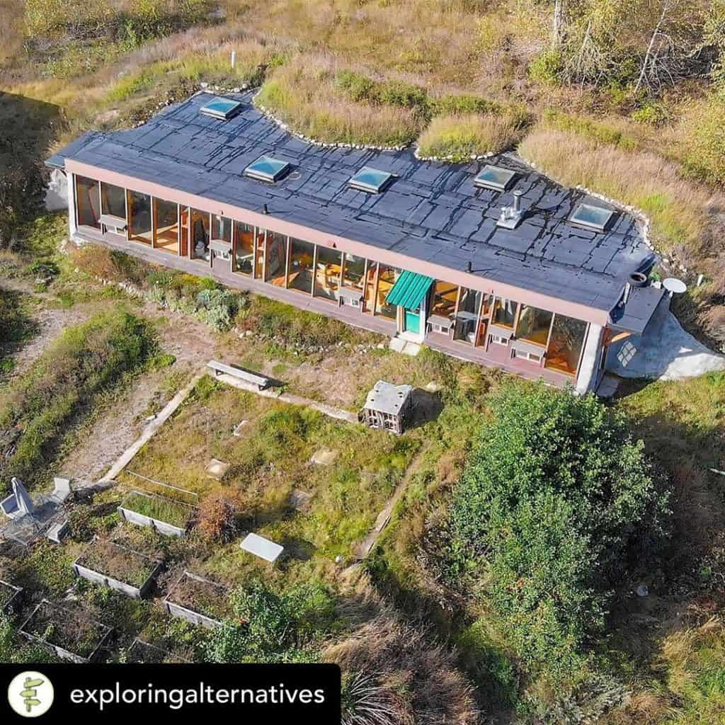 darthfield earthship