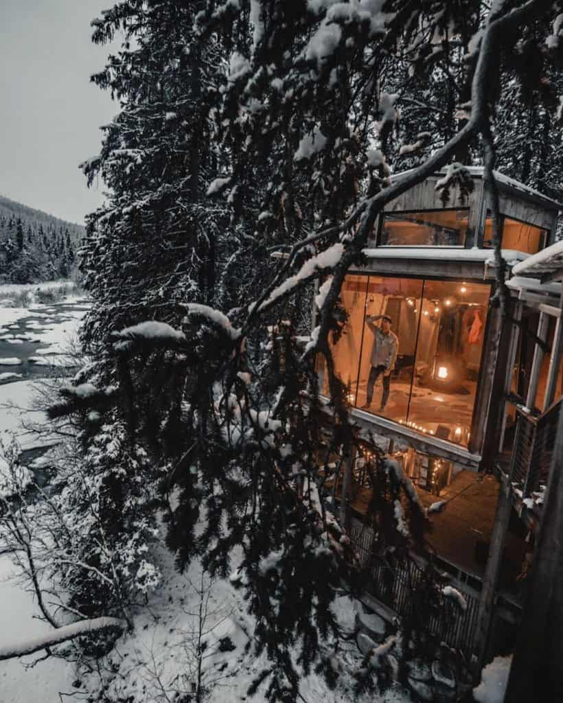 Cabin in Norwegian wilderness